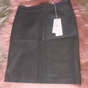 Closed lamb leather pencil skirt